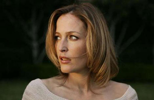 Gillian Anderson consegue papel na ficção científica I'll Follow You Down